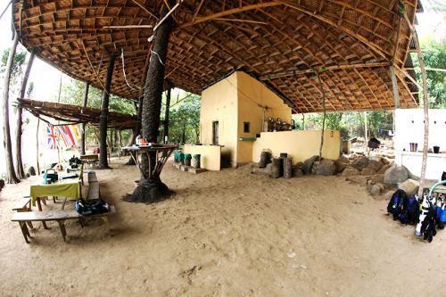 daltons banana island guesthouse sierra leone