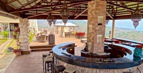 eden country lodge restaurant in freetown