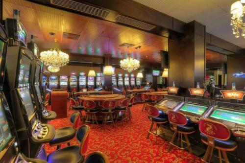 golden dragon casino accra