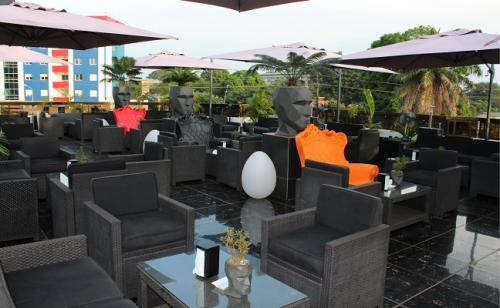 le mouv restaurant rooftop conakry