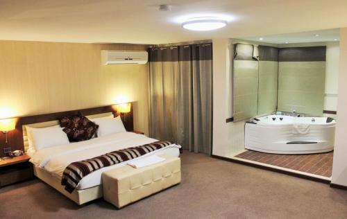 mamba point hotel liberia
