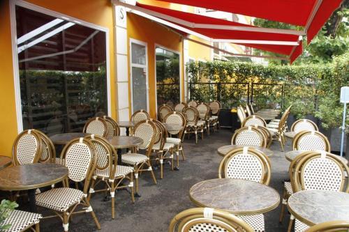 mlys restaurant conakry