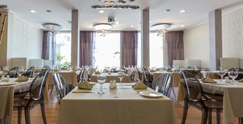 west restaurant conakry